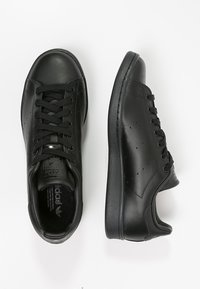 adidas Originals - STAN SMITH STREETWEAR-STYLE SHOES - Baskets basses - core black - 1