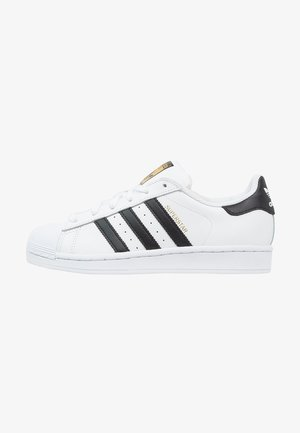 SUPERSTAR - Matalavartiset tennarit - white/core black