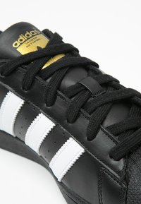 adidas Originals - SUPERSTAR FOUNDATION ALL BLACK STYLE SHOES - Matalavartiset tennarit - noir / blanc - 5