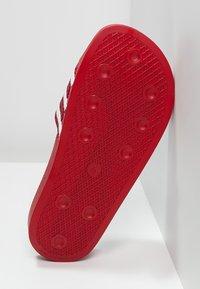 adidas Originals - ADILETTE - Badslippers - light scarlet/white - 4