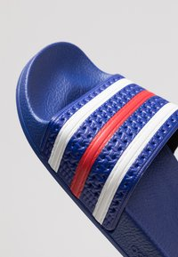 adidas Originals - ADILETTE - Sandały kąpielowe - power blue/footwear white/scarlet - 5