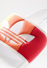 adidas Originals - ADILETTE PRIDE - Klapki - footwear white/orange/scarlet - 6