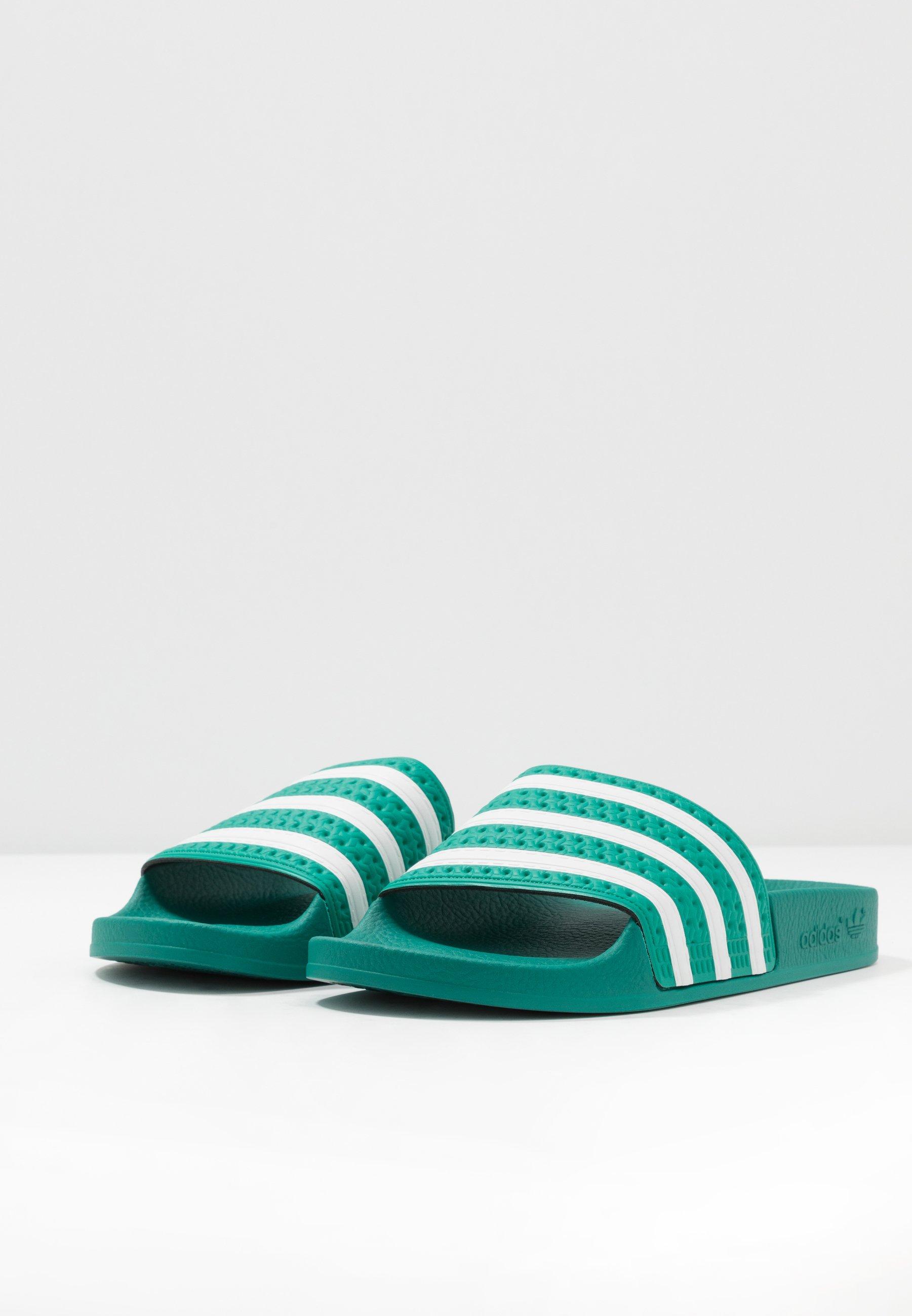 adidas Originals ADILETTE - Badesandale - glory green/footwear white