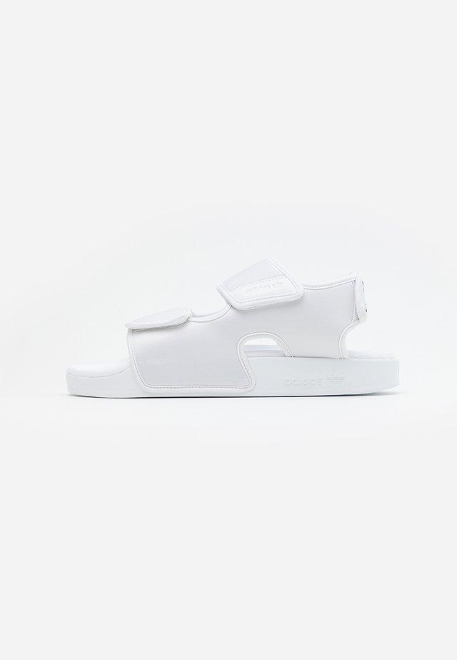 ADILETTE 3.0 - Sandaler - footwear white/core black