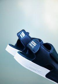 adidas Originals - ADILETTE 3.0 - Sandaler - core black/footwear white - 2