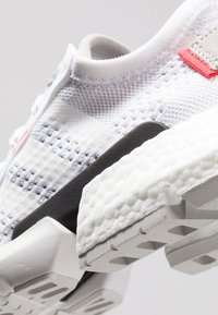 adidas Originals - POD-S3.1 PK - Sneakers - footwear white/shock red - 5
