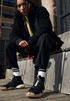 adidas Originals - PHARRELL WILLIAMS CRAZY BYW  PRD - Vysoké tenisky - core black