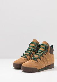 adidas Originals - JAKE BOOT 2.0 - Bottines à lacets - raw desert/brown/collegiate green - 2