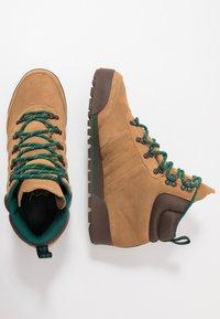 adidas Originals - JAKE BOOT 2.0 - Bottines à lacets - raw desert/brown/collegiate green - 1