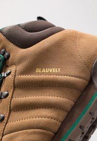 adidas Originals - JAKE BOOT 2.0 - Bottines à lacets - raw desert/brown/collegiate green - 5