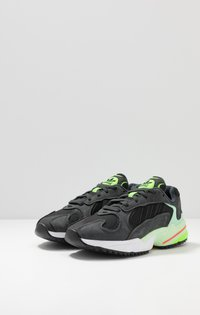 adidas Originals - YUNG-1 TRAIL - Sneakers - carbon/core black/glow green