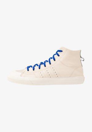 PHARRELL WILLIAMS  NIZZA HI RF - Sneakers hoog - ecru tint/cream white/clear brown