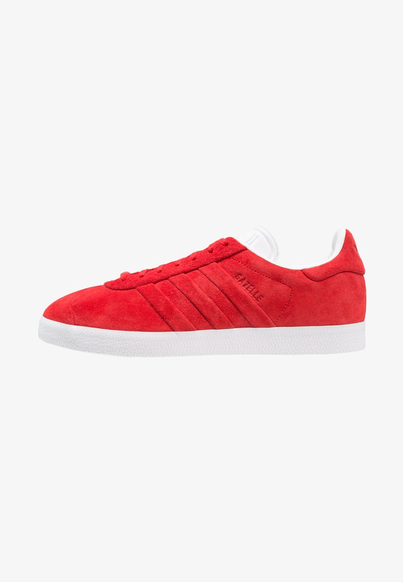 adidas Originals - GAZELLE STITCH AND TURN - Baskets basses - collegiate red/footwear white