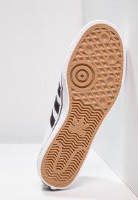 adidas Originals - NIZZA - Zapatillas - footwear white/core black - 4