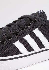 adidas Originals - NIZZA - Sneaker low - core black/footwear white - 5