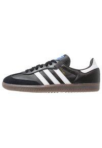 adidas Originals - SAMBA - Tenisky - cblack/ftwwht/gum5 - 0