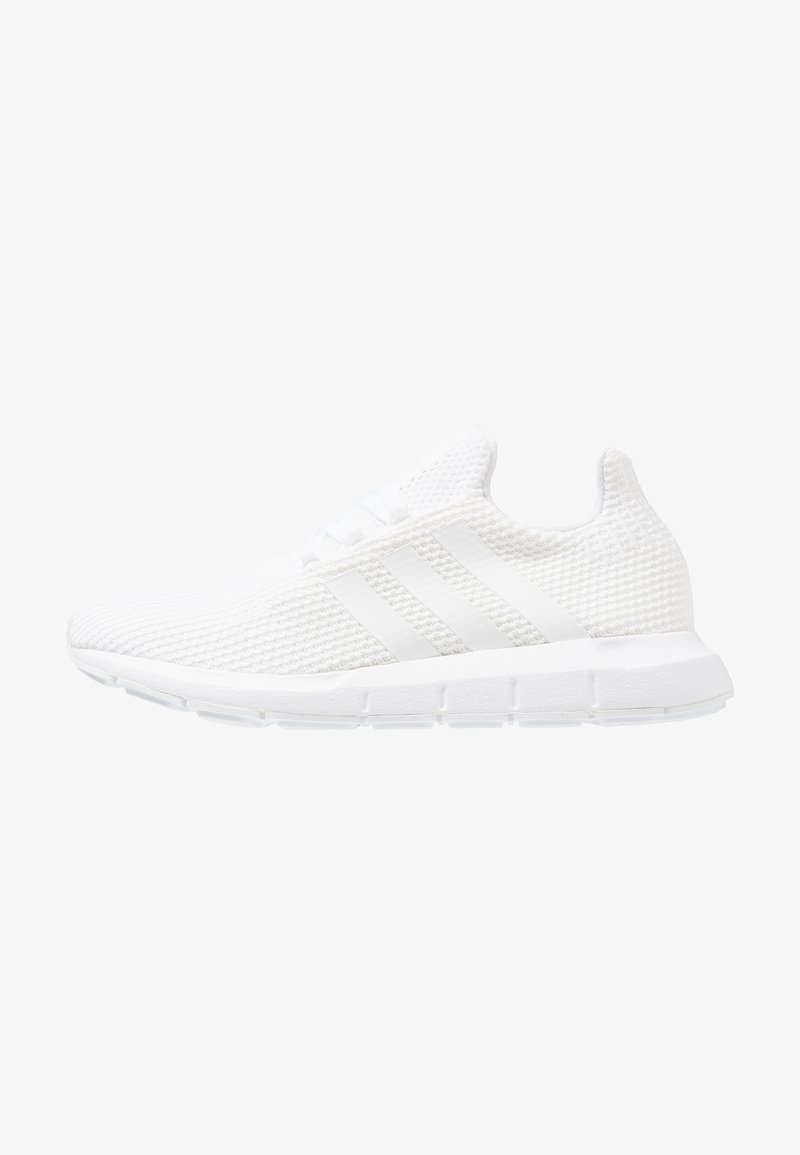 adidas Originals - SWIFT RUN - Sneakers laag - footwear white/core black