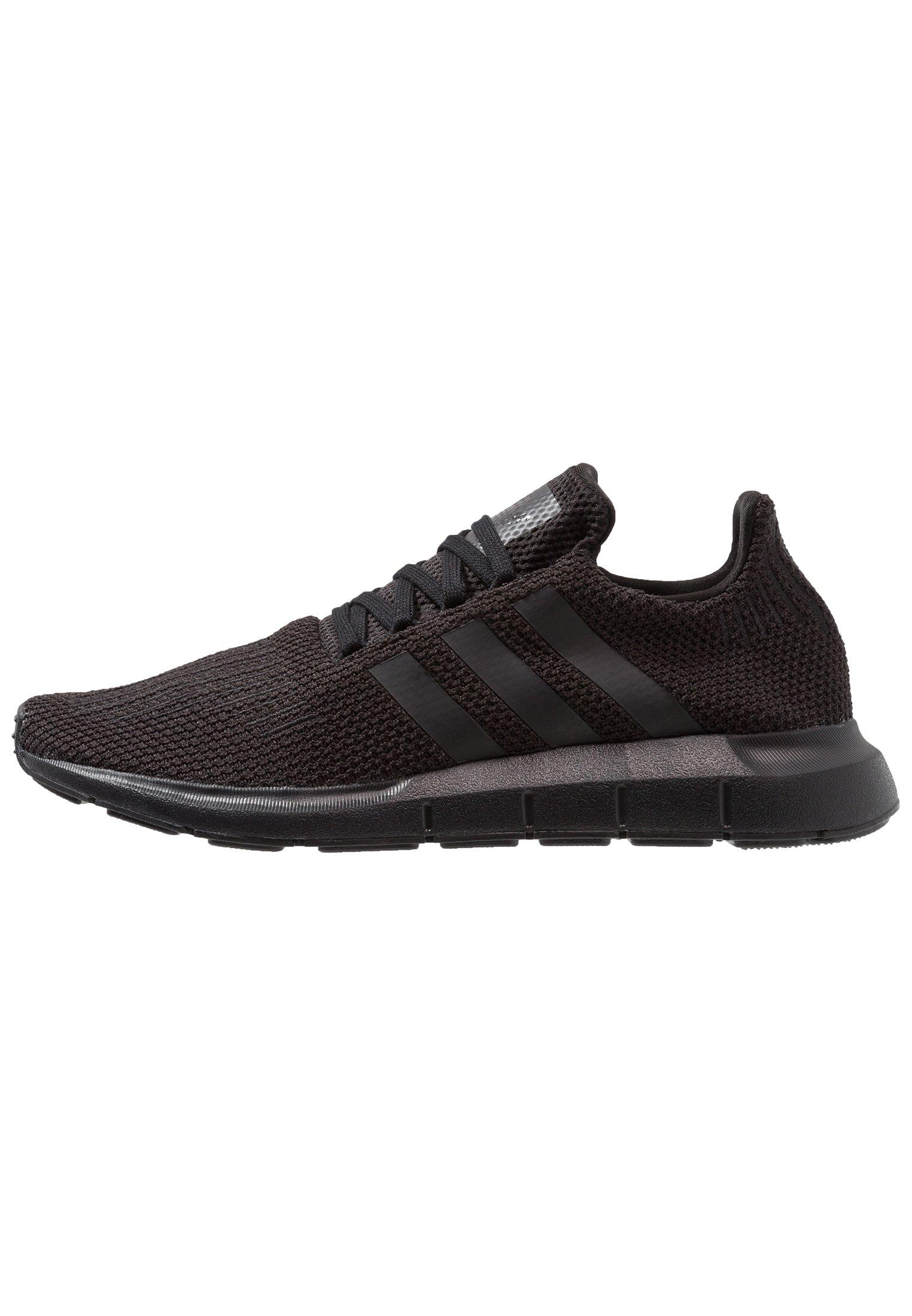 adidas Originals SWIFT RUN Sneakers core blackfootwear