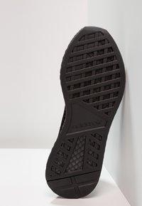 adidas Originals - DEERUPT RUNNER - Sneakers - core black/footwear white - 4