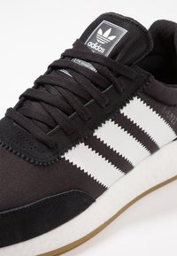 adidas Originals - I-5923 - Joggesko - core black/footwear white - 5