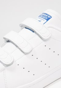 adidas Originals - STAN SMITH - Joggesko - ftwwht/ftwwht/croyal - 5