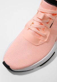 adidas Originals - POD-S3.1 - Matalavartiset tennarit - cleora/core black - 5