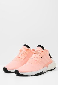adidas Originals - POD-S3.1 - Matalavartiset tennarit - cleora/core black