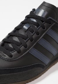 adidas Originals - JEANS - Sneakers - core black/trace blue - 5
