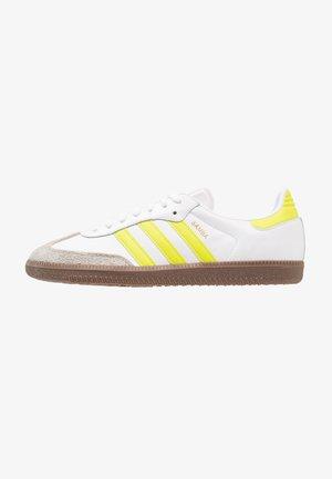SAMBA - Sneakers basse - footwear white/semi solor yellow/clear granit
