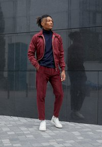 adidas Originals - CONTINENTAL 80 - Matalavartiset tennarit - white tint/offwhite/scarlet - 6