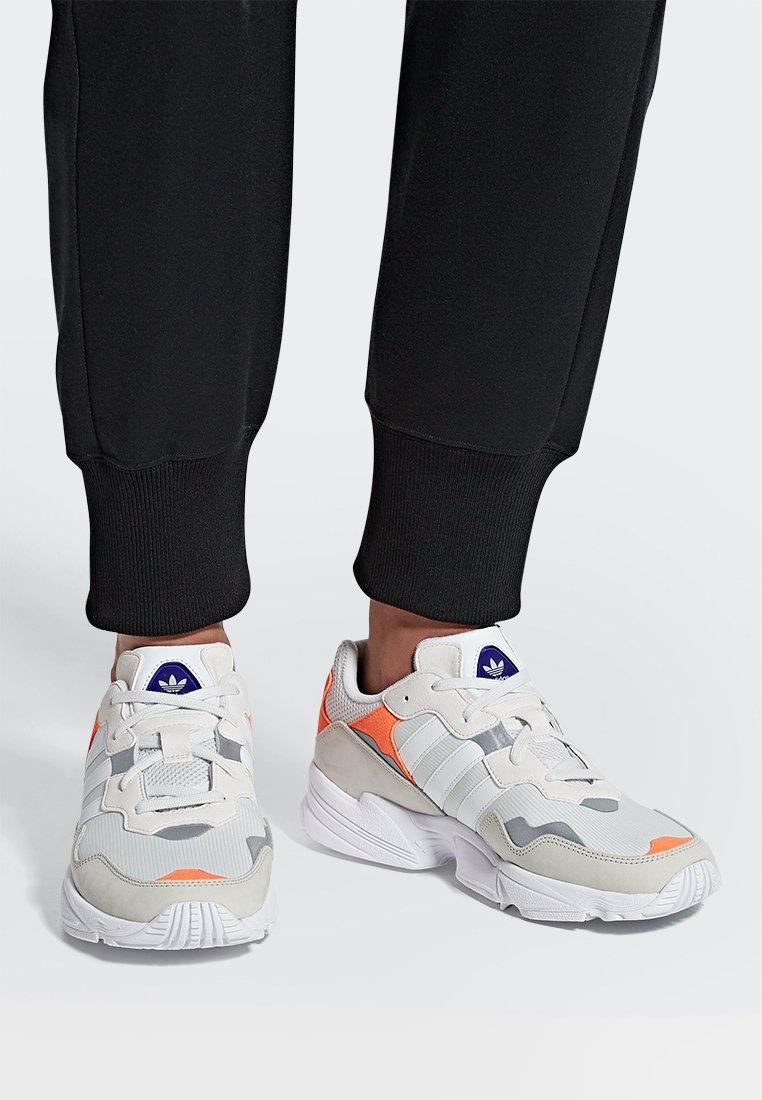adidas Originals - YUNG-96 - Sneaker low - brown, white