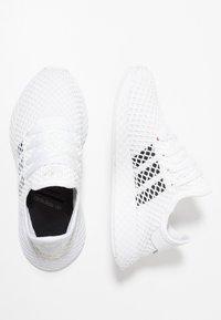 adidas Originals - DEERUPT RUNNER - Sneaker low - footwear white/core black/grey two - 1