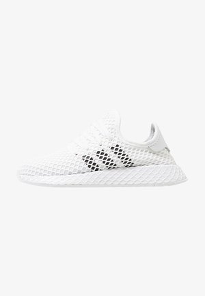 DEERUPT RUNNER - Sneakers - footwear white/core black/grey two
