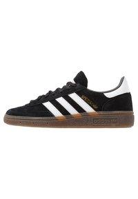 adidas Originals - HANDBALL SPEZIAL - Sneaker low - cblack/ftwwht/gum5 - 0