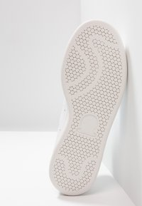 adidas Originals - STAN SMITH - Sneakers - footwear white/maroon - 4