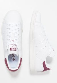 adidas Originals - STAN SMITH - Sneakers - footwear white/maroon - 1