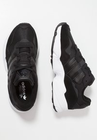 adidas Originals - YUNG-96 - Matalavartiset tennarit - core black/crystal white - 1