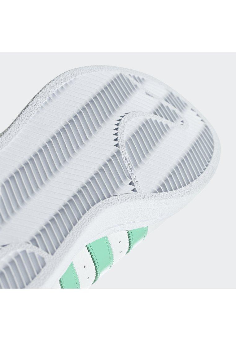 SSTBaskets white Originals basses adidas white adidas basses SSTBaskets Originals UpGSqVLMz