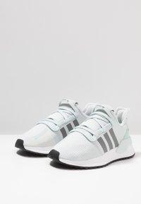 adidas Originals - U_PATH RUN - Sneakers - blue tint/ash grey/core black - 2
