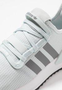 adidas Originals - U_PATH RUN - Sneakers - blue tint/ash grey/core black - 5