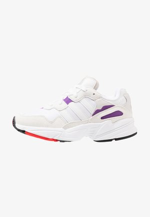 YUNG-96 - Matalavartiset tennarit - footwear white/crystal white/active red