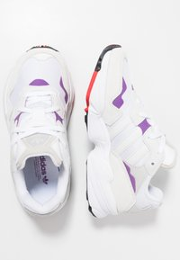 adidas Originals - YUNG-96 - Sneakers - footwear white/crystal white/active red - 2