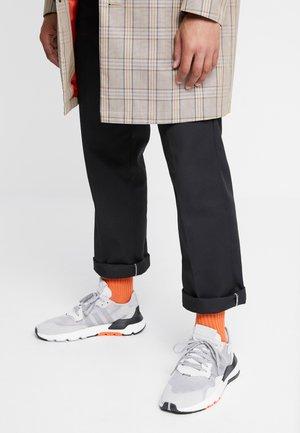 NITE JOGGER - Trainers - grey two/solid grey/solar orange
