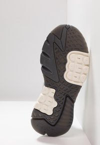 adidas Originals - NITE JOGGER - Trainers - grey five/grey one/grey two - 5