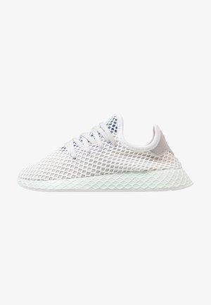 DEERUPT RUNNER - Zapatillas - grey one/footwear white/ice mint