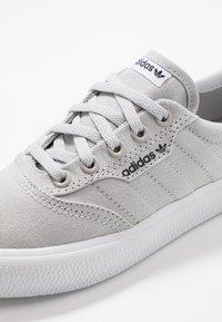 adidas Originals - 3MC - Sneakers laag - light solid grey/footwear white - 5