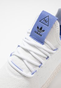 adidas Originals - PW TENNIS HU - Tenisky - footwear white/real lilac/chalk white - 5
