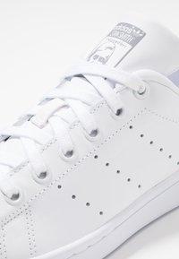 adidas Originals - STAN SMITH - Baskets basses - footwear white/grey - 5
