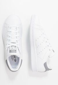 adidas Originals - STAN SMITH - Trainers - footwear white/grey three - 1
