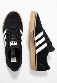 adidas Originals - ADI-EASE VULCANIZED SKATEBOARD SHOES - Sneaker low - core black/footwear white - 1